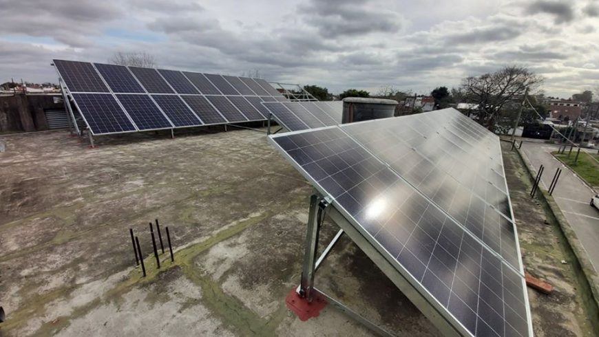 Instalación de Sistema de energía renovable fotovoltaica Grid-Tie . «INDUSTRIA AUTOMAC SRL «